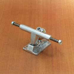 Independent 109mm T-Hanger Trucks - Silver