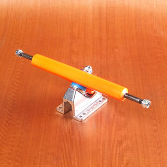 "Gullwing Charger II 10"" Trucks - Orange"