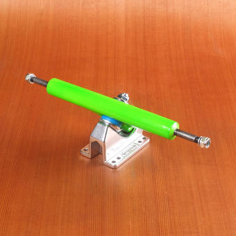 "Gullwing Charger II 10"" Trucks - Green"