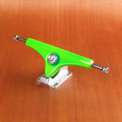 "Gullwing 10"" Charger II Green Trucks"