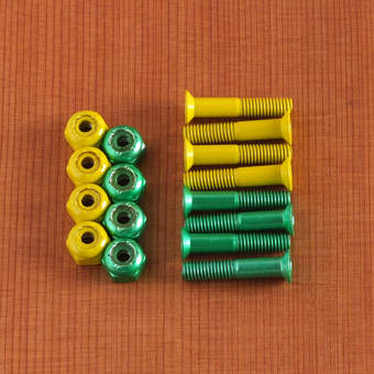 "Shake Junt Phillips 1"" Hardware - Green/Yellow"