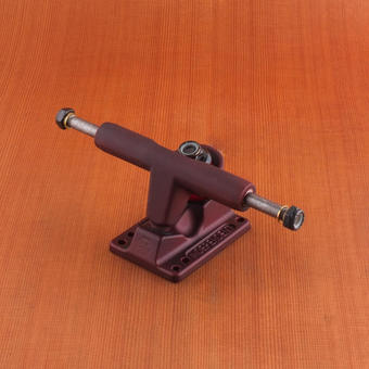 Independent 109mm T-Hanger Trucks - Oxblood Red