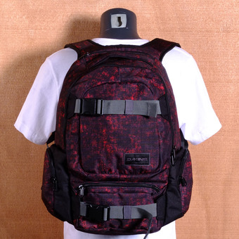 Dakine Daytripper 30L Backpack - Lava