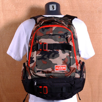 Dakine Daytripper 30L Backpack - Camo
