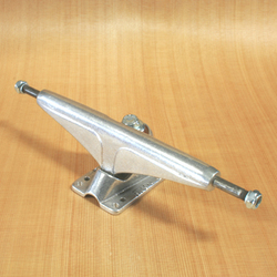 Tracker 184mm Dart Trucks - Polished
