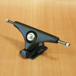"Gullwing Charger 9"" Trucks - Black"