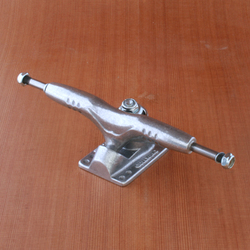 "Gullwing 9"" Pro III Raw Trucks"